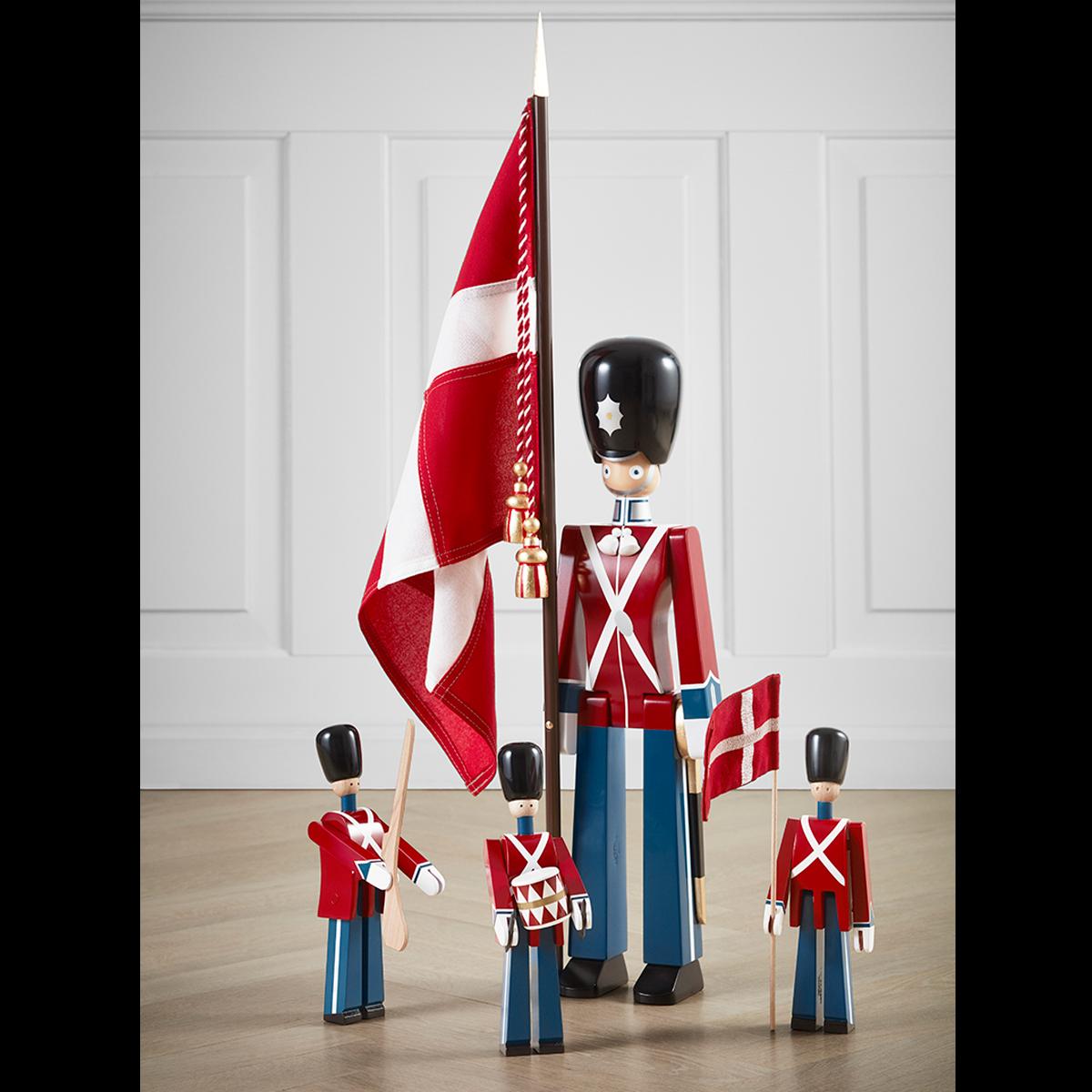 standard-bearer-medium-red-blue-white–1500×1500-4